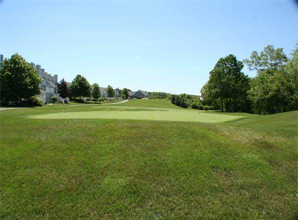 28 Westcliff Dr #28, Plymouth, MA 02360 (MLS #72682638) :: Kinlin Grover Real Estate