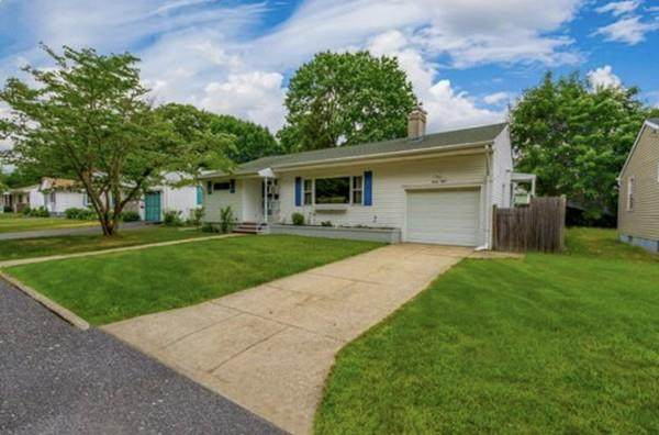 38 Baldino Drive, Cranston, RI 02920 (MLS #72683074) :: DNA Realty Group