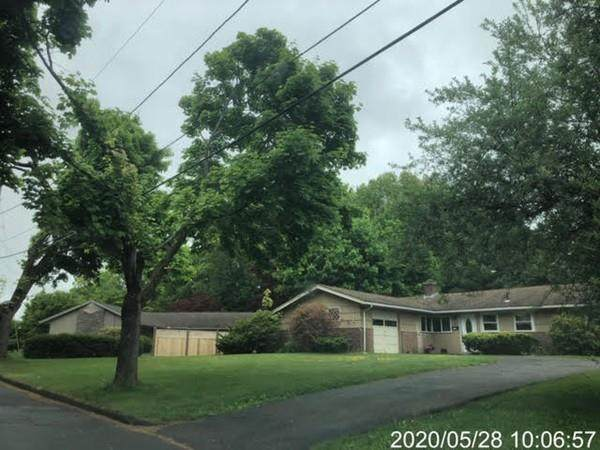 32 Dick Dr - Photo 1