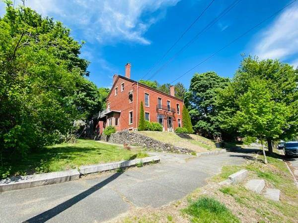 126 Summer St A, Haverhill, MA 01830 (MLS #72684195) :: Anytime Realty