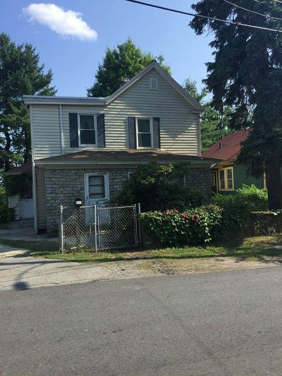 5 Woodland Court, Lawrence, MA 01841 (MLS #72684751) :: The Seyboth Team