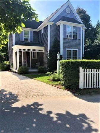 12 Curtis Ln, Edgartown, MA 02568 (MLS #72686324) :: DNA Realty Group