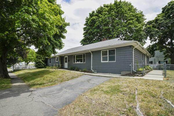 14 Lincoln Rd, Peabody, MA 01960 (MLS #72687956) :: Exit Realty