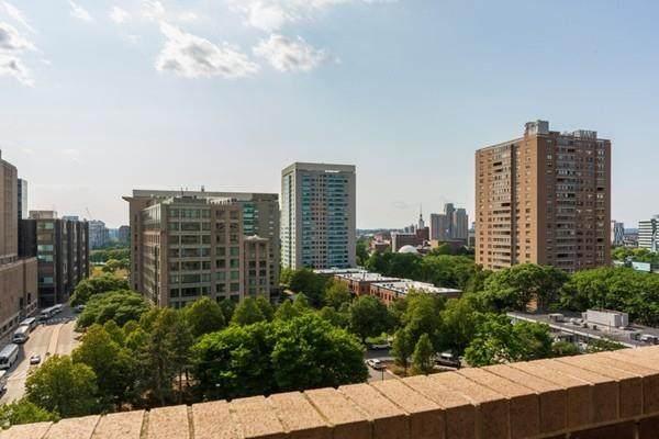 2 Hawthorne Place 10B, Boston, MA 02114 (MLS #72689657) :: Westcott Properties