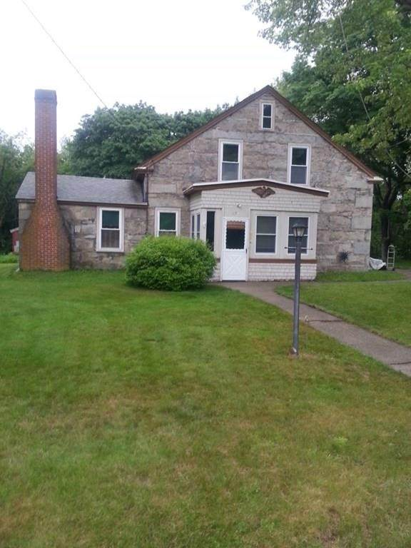 198 Oxford Ave, Webster, MA 01570 (MLS #72689739) :: The Duffy Home Selling Team