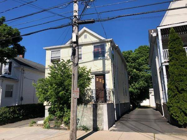 263 Pearl St #2, Malden, MA 02148 (MLS #72690771) :: Charlesgate Realty Group