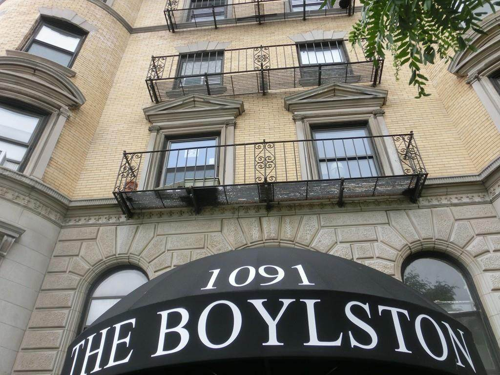 1091 Boylston - Photo 1