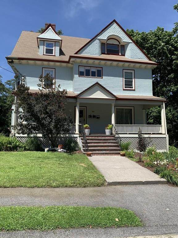 169 Hunnewell Ave #1, Newton, MA 02460 (MLS #72693035) :: Berkshire Hathaway HomeServices Warren Residential