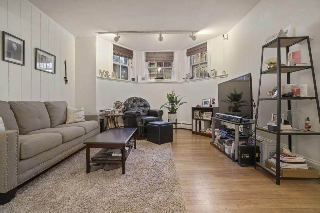 182 Marlborough Street - Photo 1