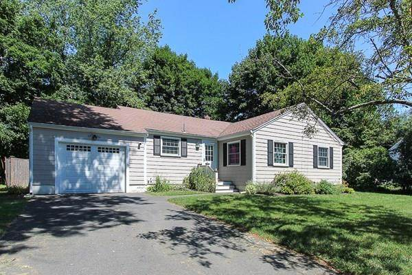 43 Homestead Circle, Hamilton, MA 01982 (MLS #72698584) :: Charlesgate Realty Group