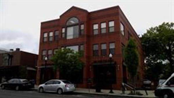 48 N. Pleasant Street - Photo 1