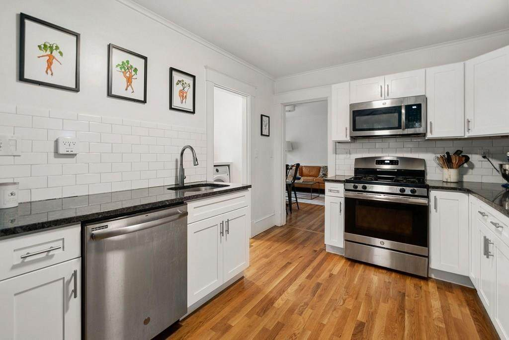 139 Forest Hills St - Photo 1
