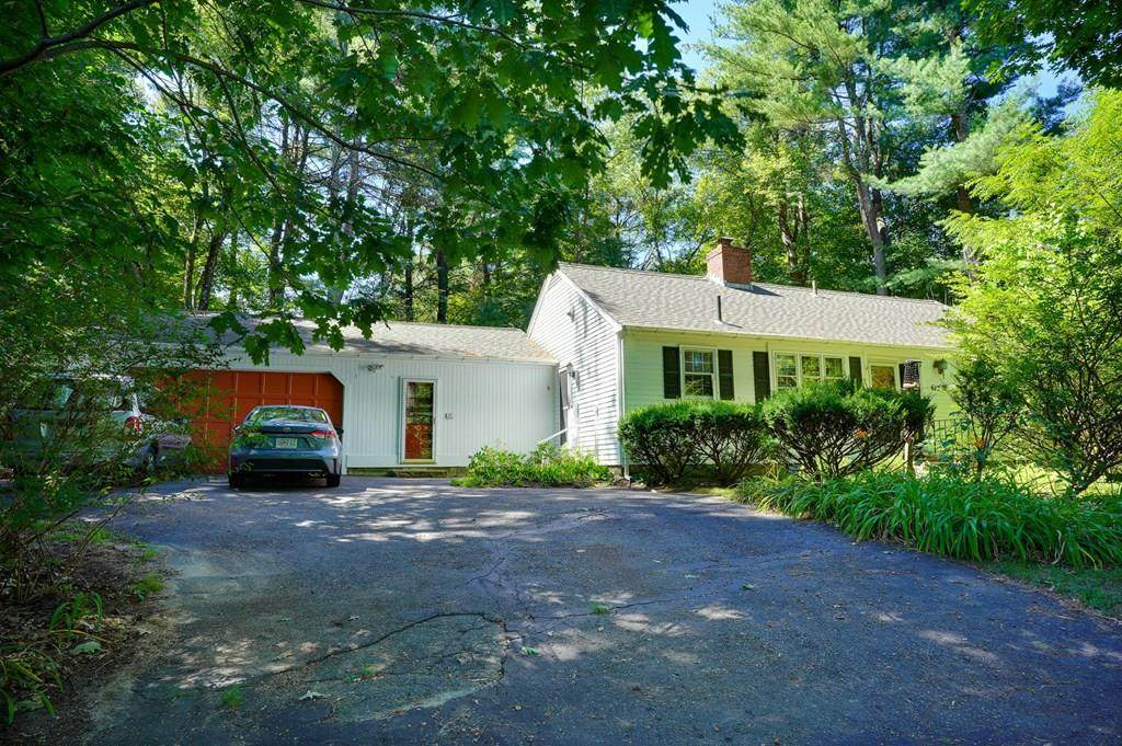 672 Massachusetts Ave - Photo 1