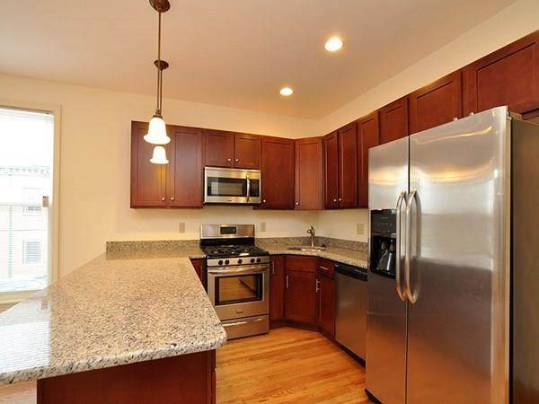 85 Fort Ave - Photo 1