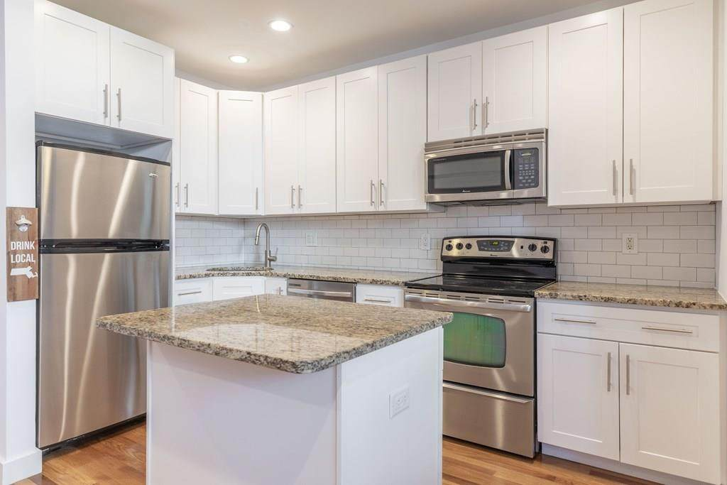 211 West 5th - Photo 1