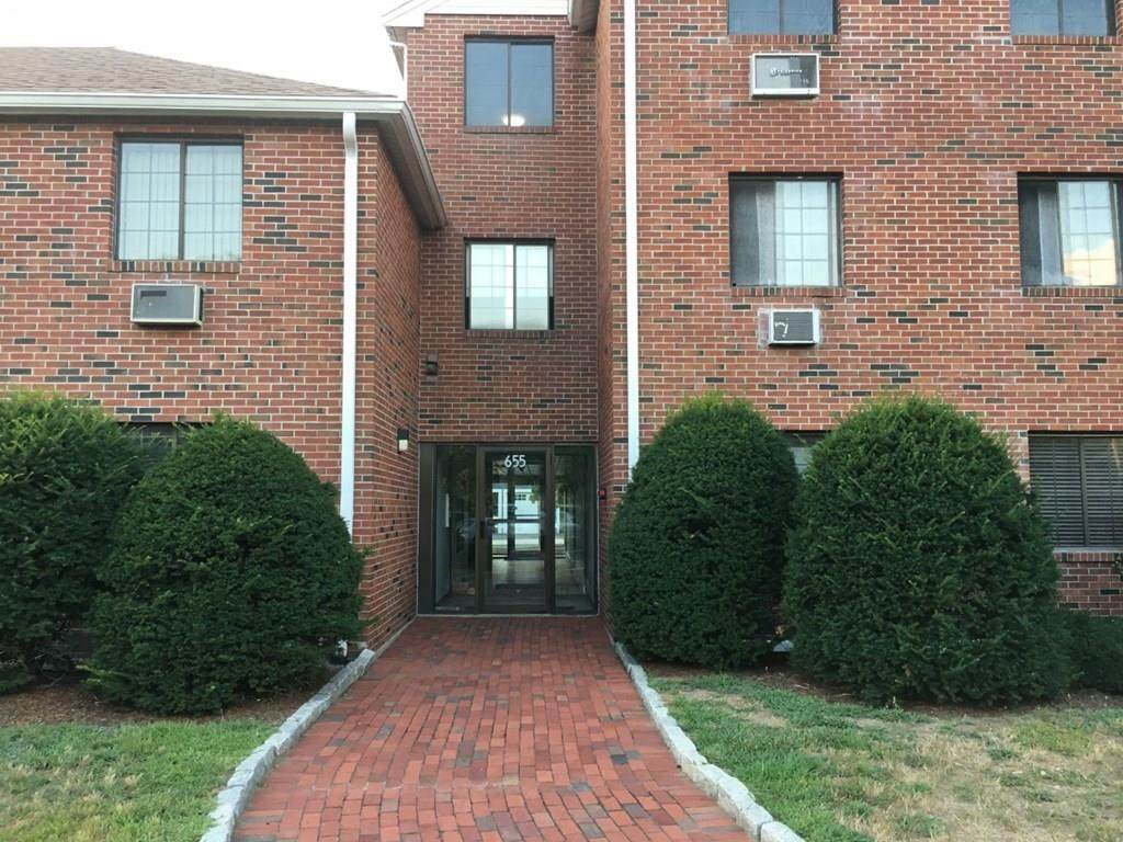 655 Saw Mill Parkway - Photo 1