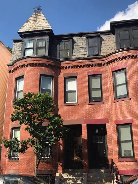 215 Green St A, Cambridge, MA 02139 (MLS #72704807) :: DNA Realty Group
