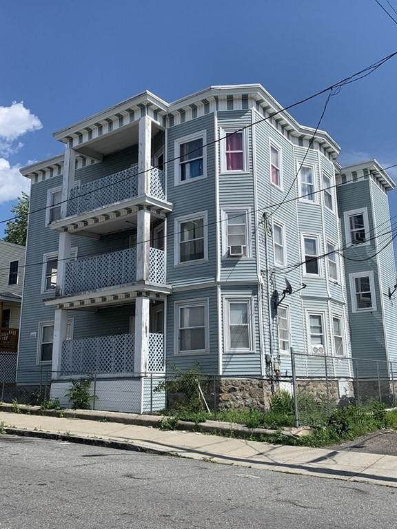 82-1/2 Tremont St, Lawrence, MA 01841 (MLS #72707240) :: Exit Realty