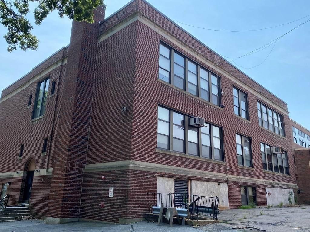 2216 Dorchester Ave - Photo 1