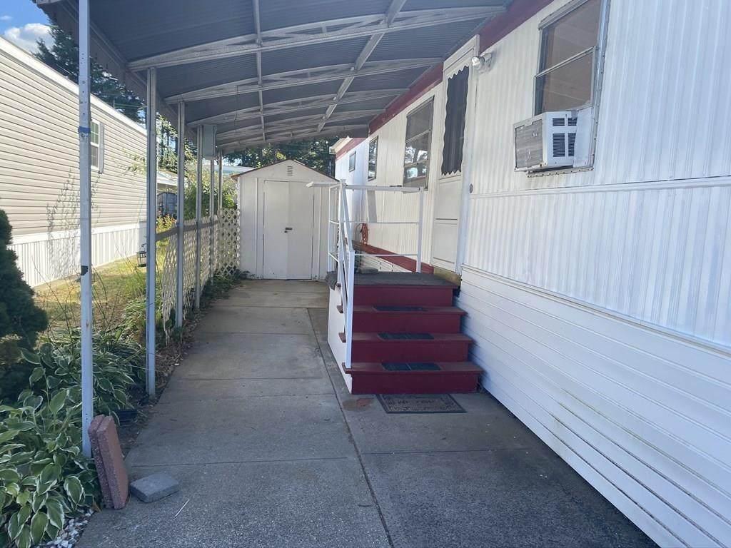 404 Southwick Rd - Photo 1