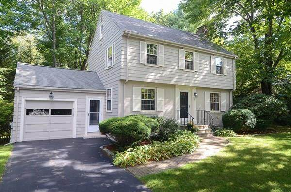 17 Roberts Rd, Wellesley, MA 02481 (MLS #72729768) :: RE/MAX Unlimited