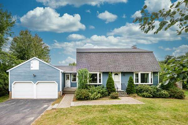 42 Edgewood Road, Southborough, MA 01772 (MLS #72732275) :: Kinlin Grover Real Estate