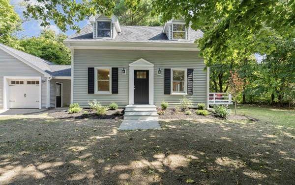 288 Central Street, Foxboro, MA 02035 (MLS #72732365) :: The Duffy Home Selling Team
