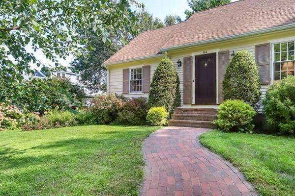94 Meadowbrook, Needham, MA 02492 (MLS #72732649) :: The Gillach Group