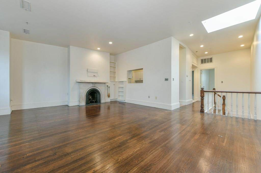 433 Columbus Ave - Photo 1