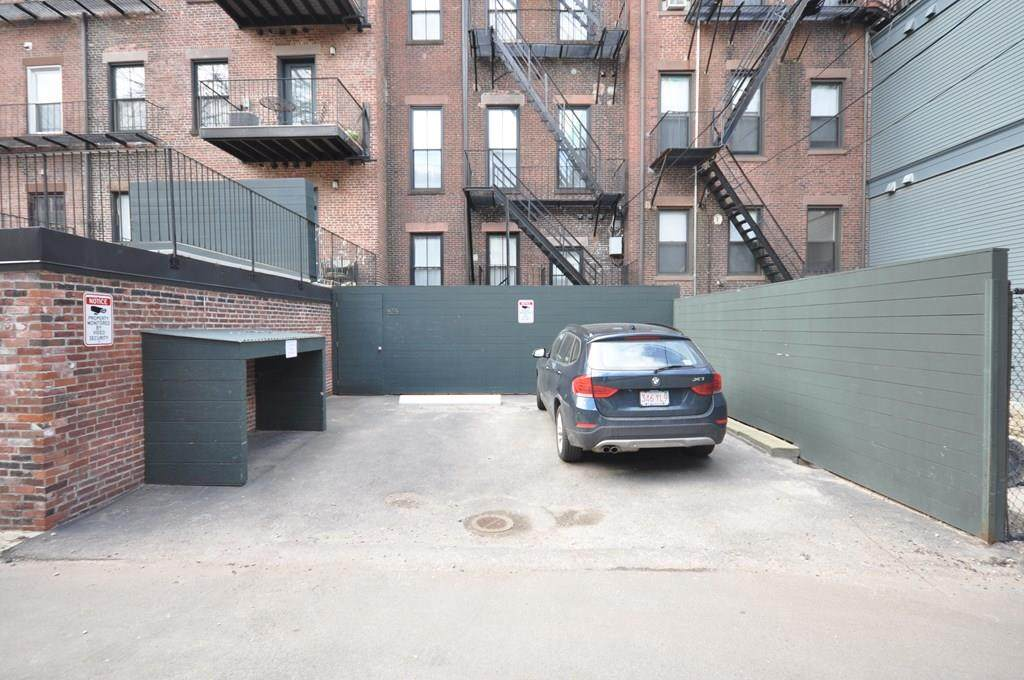 656 Massachusetts Ave - Photo 1