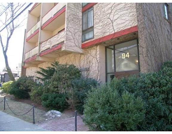 94 Beaconsfield Rd #201, Brookline, MA 02445 (MLS #72732984) :: Walker Residential Team