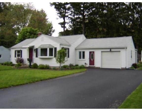 70 Raymond Cir, Agawam, MA 01001 (MLS #72733295) :: Spectrum Real Estate Consultants