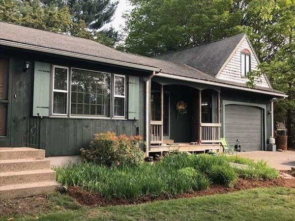 8 Walter St, Norton, MA 02766 (MLS #72733692) :: Welchman Real Estate Group