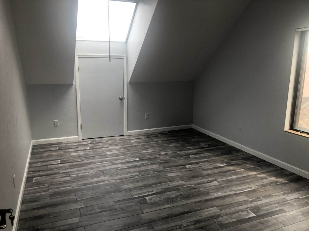 3 Cabot Place - Photo 1