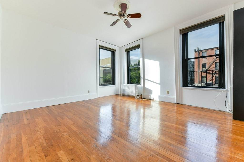 41 Worcester Square - Photo 1