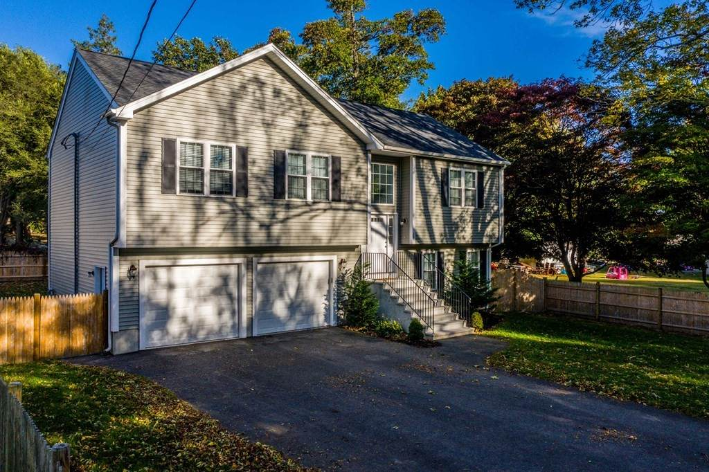 29 Middlesex Ave - Photo 1