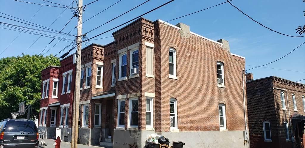 112-114 West Street - Photo 1