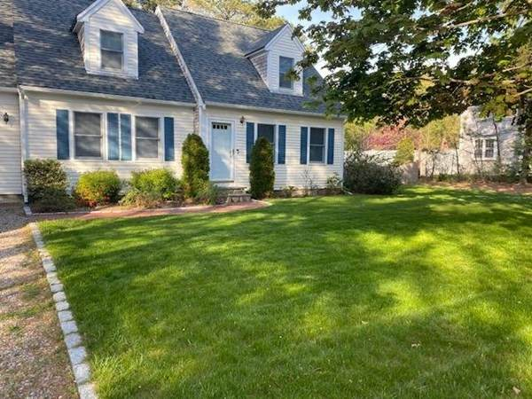 288 Simons Narrows Rd., Mashpee, MA 02649 (MLS #72737890) :: RE/MAX Unlimited