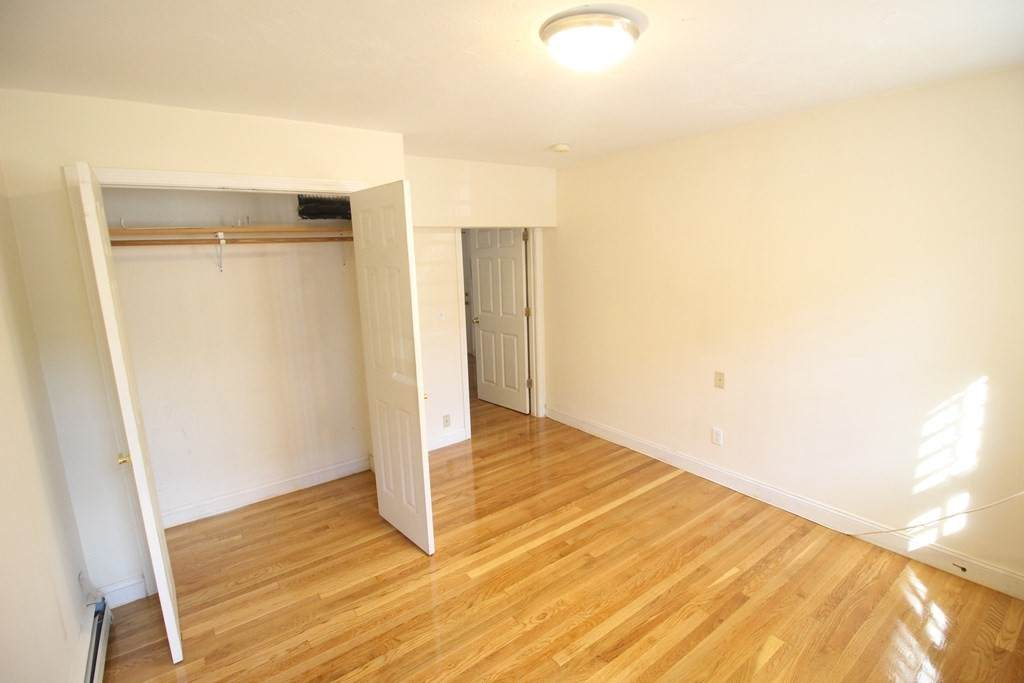 1122 Commonwealth Ave - Photo 1