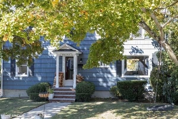 31 Dana Street, North Andover, MA 01845 (MLS #72743581) :: Exit Realty