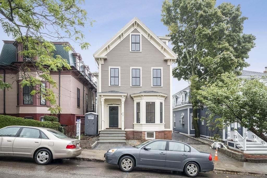 33 Warren Avenue - Photo 1