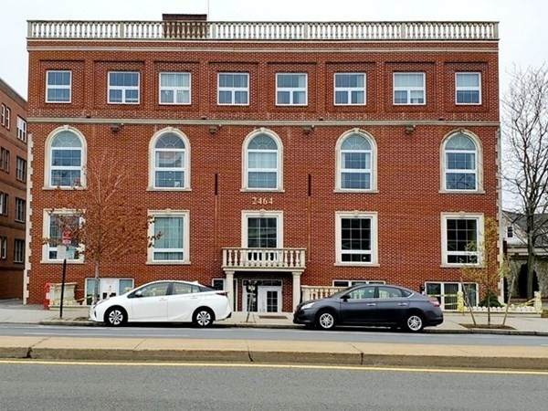 2464 Massachusetts Ave - Photo 1