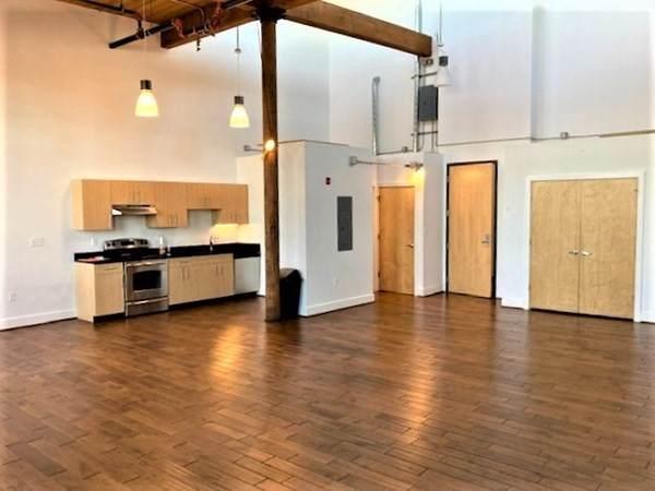 1 Westinghouse Plaza #333, Boston, MA 02136 (MLS #72746911) :: Charlesgate Realty Group