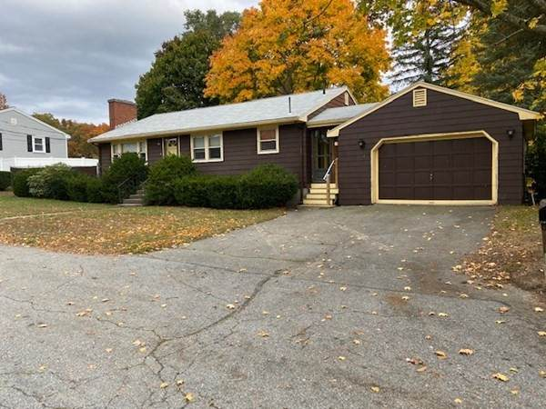 6 Foster Ave, Woburn, MA 01801 (MLS #72749165) :: Welchman Real Estate Group