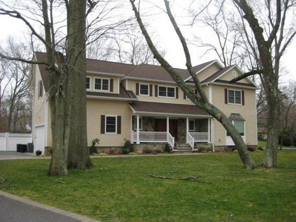 1 Pine Drive, Woodbury, NY 11797 (MLS #72749247) :: Revolution Realty