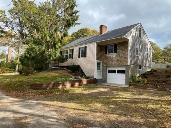 15 Laurie Ln, Harwich, MA 02646 (MLS #72749433) :: Kinlin Grover Real Estate