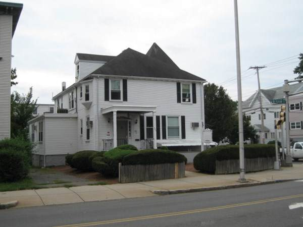 440 Pleasant Street, Malden, MA 02148 (MLS #72754855) :: DNA Realty Group