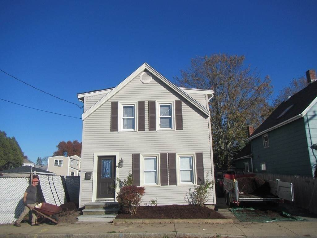 89 Middle St - Photo 1