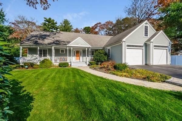 14 Race Ln, Sandwich, MA 02563 (MLS #72758572) :: Kinlin Grover Real Estate