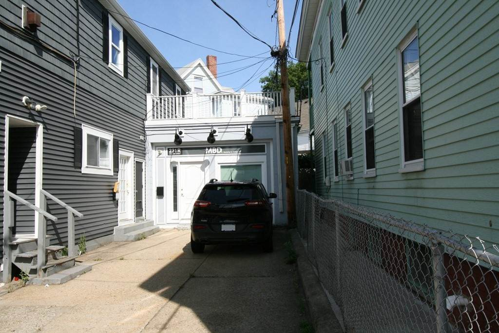 231 Holland Street - Photo 1
